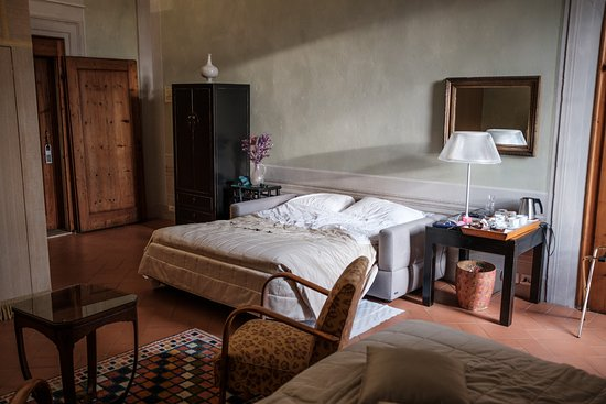 la nostra camera - ampia e confortevole - un letto matrimoniale ed ... - Divano Letto Matrimoniale Firenze