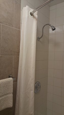 New Glarus, WI: Updated tub and shower