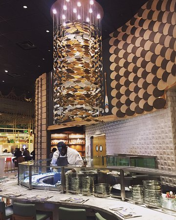 Raw bar picture of fish by jose andres oxon hill for Fish by jose andres menu