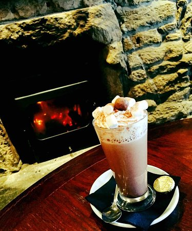 Larkhall, UK: Hot drinks by the fire