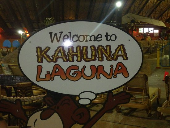 Kahuna Laguna: Cute sign as you walk in.