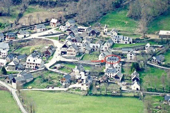 Gite Les Sureaux 65: situation du Gite Les Sureaux dans le village