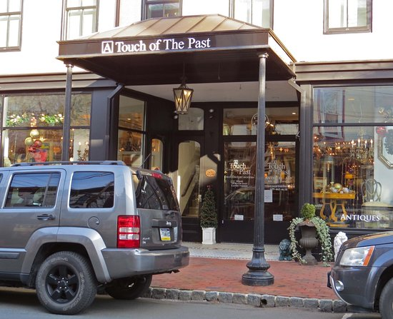Lambertville, NJ: A Touch of the Past Antiques
