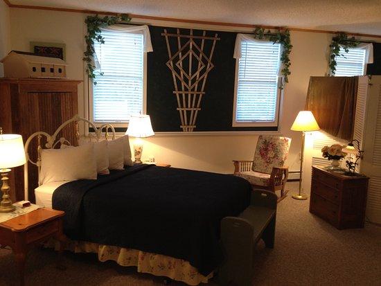 Baileys Harbor, WI: Garden Suite 2016