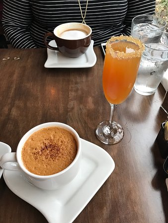 Silverton, OR: Hot Apple Toddy and Apple Cider Mimosa