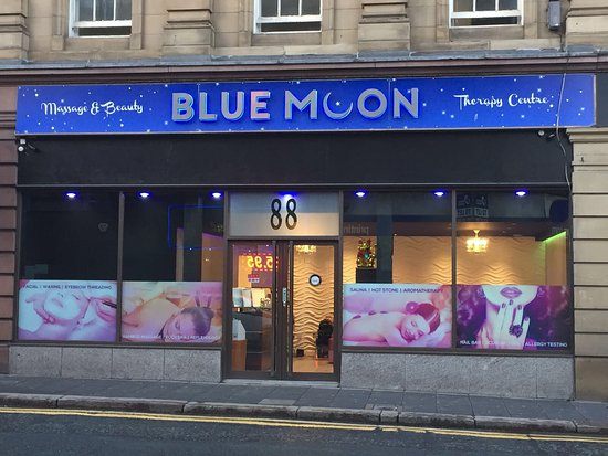 ‪Blue Moon Massage and Beauty Therapy Centre‬