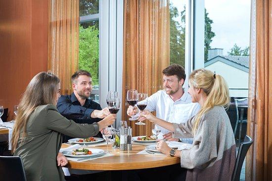 Thalwil, Sveits: Lunch & Dinner mit Weinbegleitung