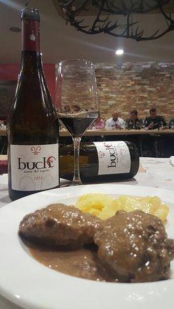 Alburquerque, Spain: Maridaje entre platos y vinos perfecto,un placer deleitar ambas cosas en conjunto y sacar el máx