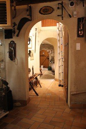 Beine, Frankrike: caveau