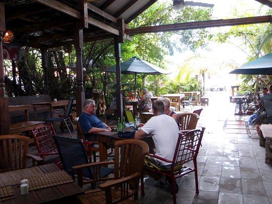 Bars & Clubs in Tortola: Entdecken Sie 5 Bars & Clubs in