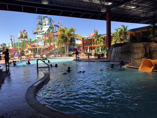 Coco Key Hotel and Water Park Resort: This is a pic of the water park and the HEATED indoor/outdoor pool!