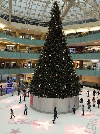 galleria dallas five story christmas tree on the ice rink