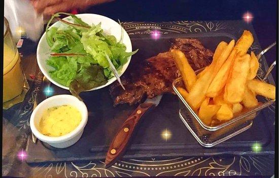 Entrecte 250g frite et salade avec sauce barnaise un dlice
