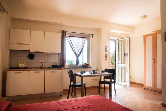app.frassitelli soggiorno con angolo cottura,divano,letto ... - Foto Soggiorno Con Angolo Cottura 2