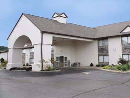 นิวฟิลาเดลเฟีย, โอไฮโอ: Hotel Entrance