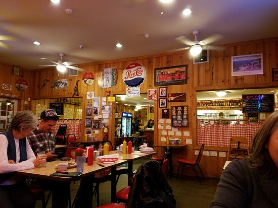 Hamburger Ranch & Bar-B-Que: The inside of the BBQ restaurant