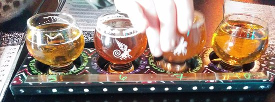 Barrie, Canadá: Samplers are a good way to try new beer