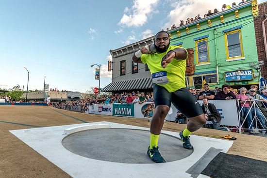 Lawrence, KS: Downtown Olympic Shot Put