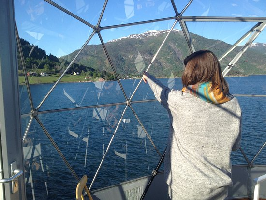 Balestrand, Norvegia: The view from the on the roof