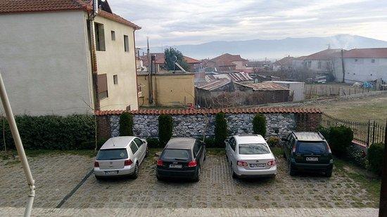 Kallinikos Guesthouse: Паркинг отеля