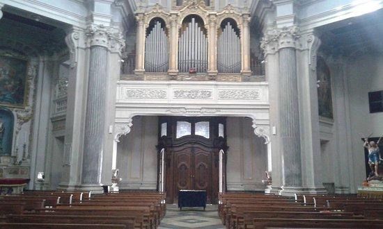 Rivarolo Canavese, Италия: Interno chiesa