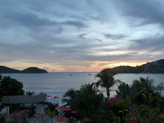 Aura del Mar Hotel: Sunset view from room