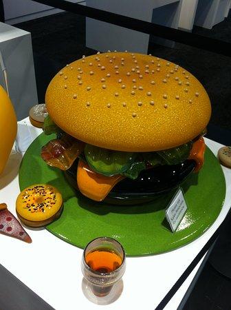 Корнинг, Нью-Йорк: Glass burger, anyone?