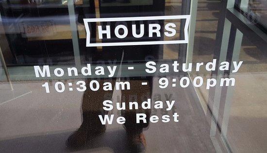 Hot Table Panini: Hours