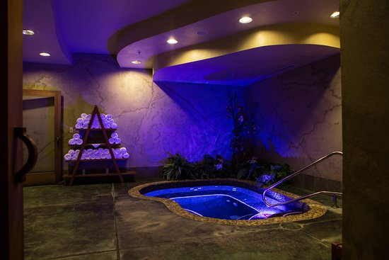 Seven Feathers Casino Resort: River Rock Spa