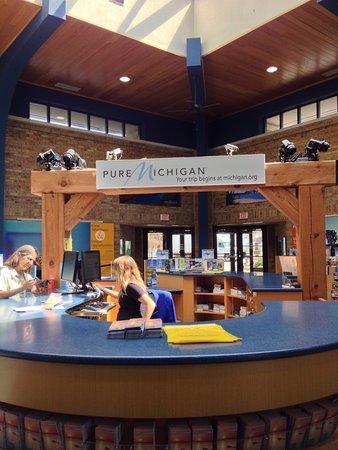 New Buffalo, MI: Info desk