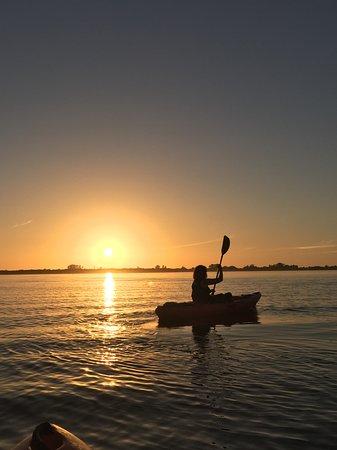 Englewood, FL: Wine & Sunset Paddle Event