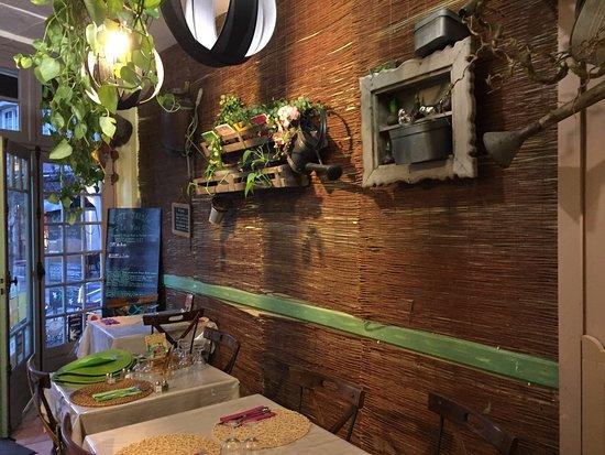 restaurant la table du jardin dans poitiers avec cuisine fran aise. Black Bedroom Furniture Sets. Home Design Ideas