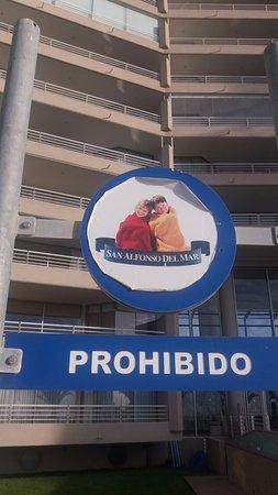 San Alfonso del Mar: Pela placa percebe-se que não faz muito calor por aqui!
