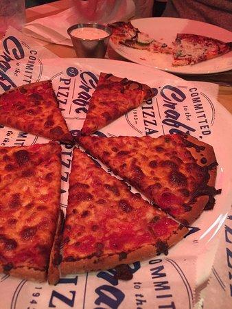 Pizzeria UNO Chicago Bar: Gluten free: not good