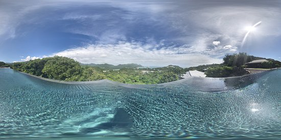 Ninh Phuoc, เวียดนาม: 360 view from the infinity pool at one of the villas