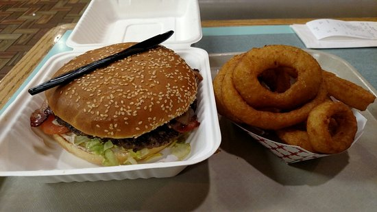 Big Jim's Drive-In: Monster burger and onion rings