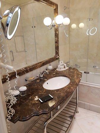 Hotel Savoy Moscow Photo