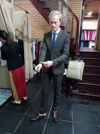 A Dong Silk Tailors: photo3.jpg