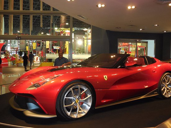 shop n eat picture of ferrari world abu dhabi abu dhabi tripadvisor. Black Bedroom Furniture Sets. Home Design Ideas