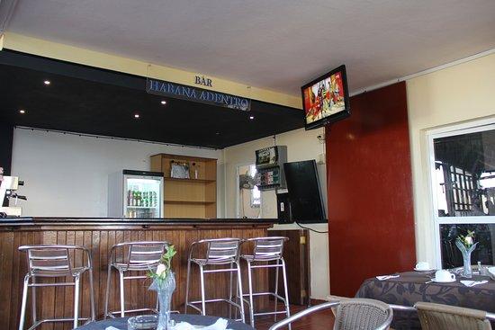 Sercotel Lido: бар в ресторане