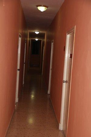 Sercotel Lido: коридор номеров