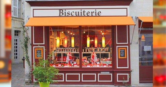 Fontevraud-l'Abbaye, Francia: Artisan Biscuitier Biscuits et Macarons faits maison à Fontevraud, val de Loire