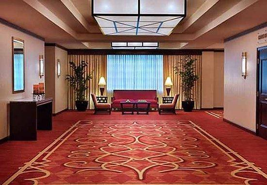 Trumbull, CT: Pre-Function Foyer