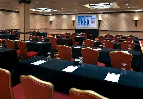 Trumbull, CT: Merritt Ballroom – Meeting Setup
