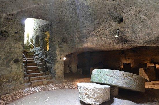 Uggiano La Chiesa, Italy: Frantoio ipogeo del 1688
