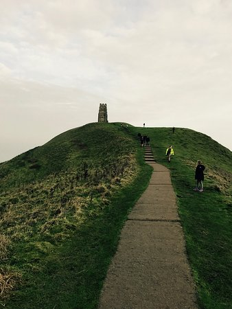 Glastonbury Tor: Stunning place. Bit of a pull up but worth it when you get to the top ! Nice history to read up