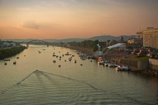 ชาร์ลสตัน, เวสต์เวอร์จิเนีย: Haddad Riverfront Park, Live on the Levee, Kanawha River