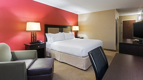 Charleston, WV: King Guest Room
