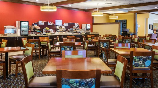 Charleston, WV: Breakfast Seating Area