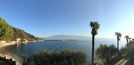 Hotel Villa Maria Au Lac: View of Lake Garda from room